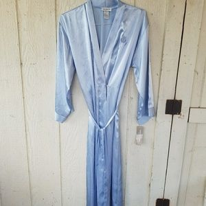 Jones New York robe
